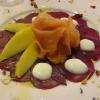 Gebeizter Lachs, rote Bete, Mango