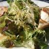 Gratinierter Ziegenkäse mit Blattsalaten
