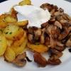Gebratene Pilze, Bratkartoffeln, Kräuterschmand