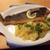 """Karpfenfilet nach """"Müllerin Art"""" mit hausgemachtem Kartoffelsalat"""